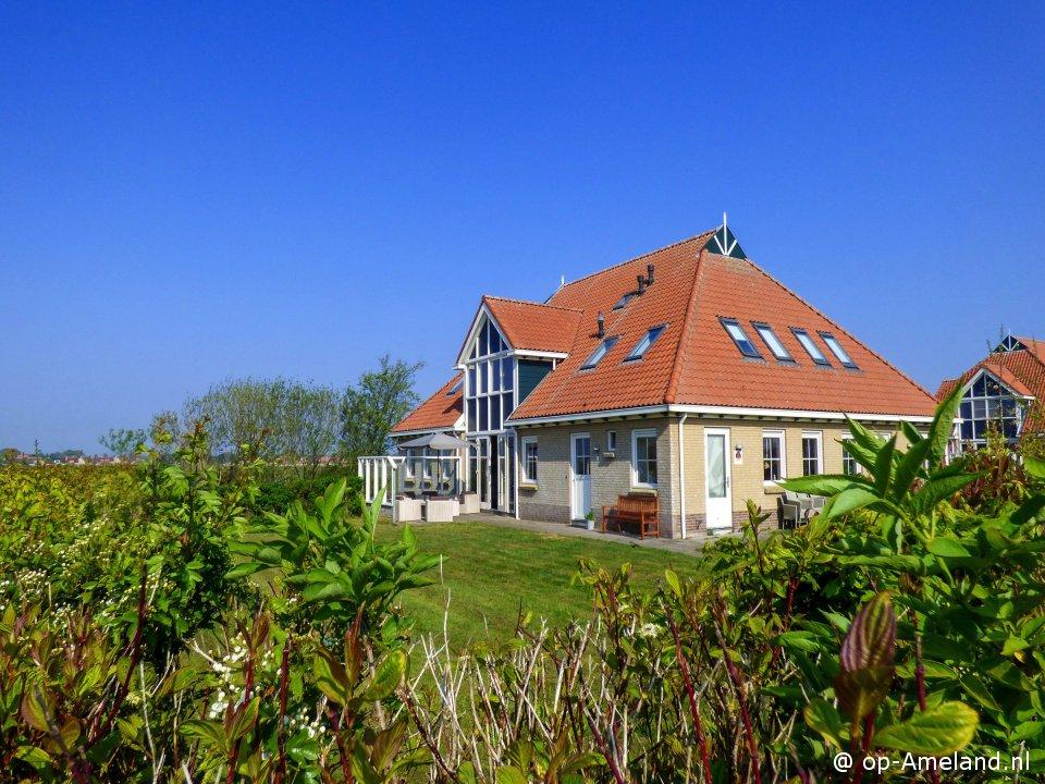 Klik hier voor meer informatie over Vakantiehuis Villa Ahoy